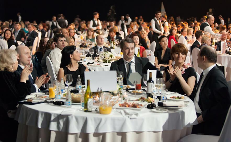 I-need-event-staff-awards-nights-temporary-wait-staff